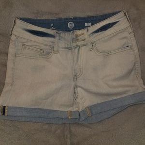 Stone washed blue jean shorts